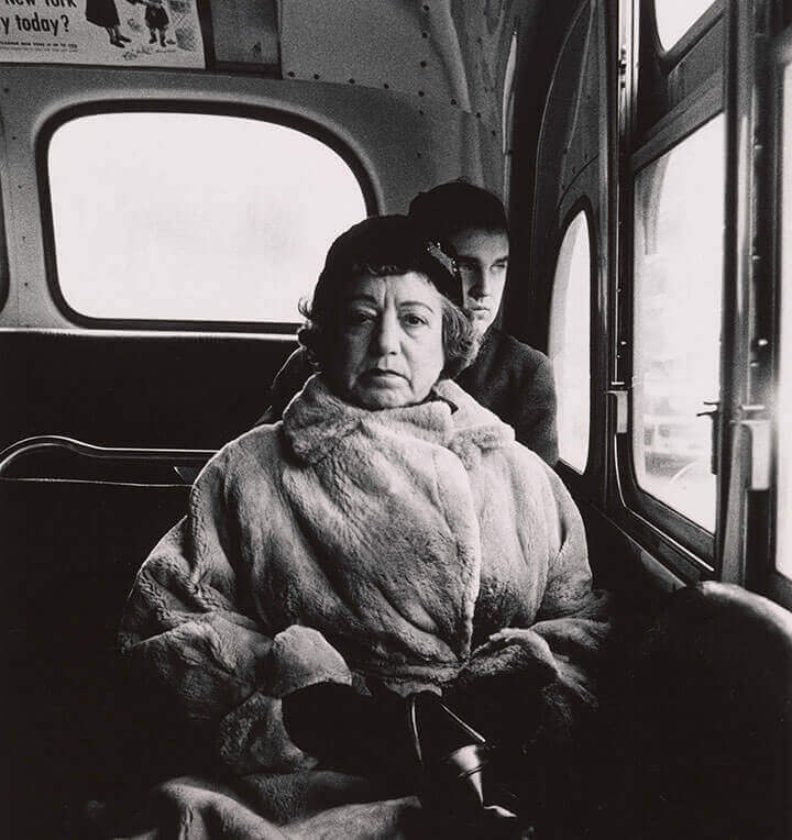 arbus lady on bus lnd