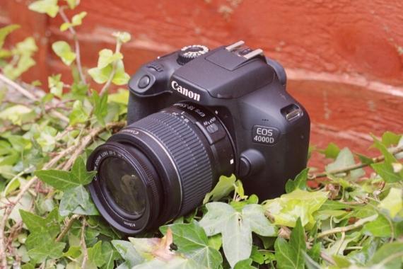 camara canon 4000d