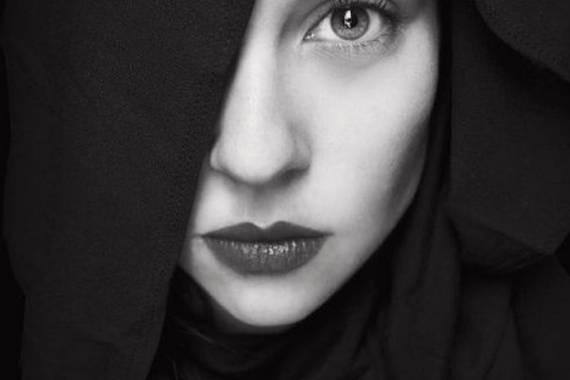 imagenes de mujeres en blanco y negro