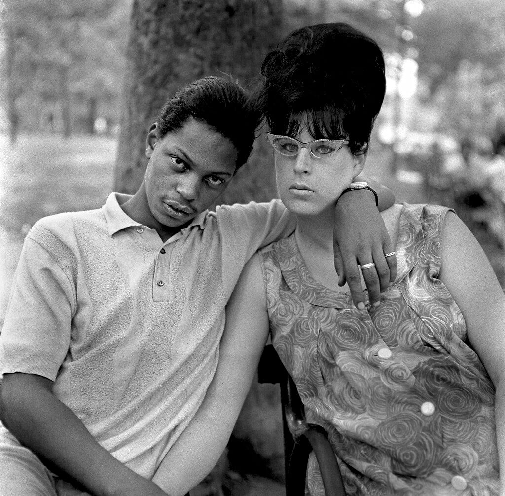 young man with his pregnant wife diane arbus